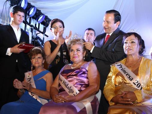 Con Emotivo Baile y Reconocimientos: Cierran Festejos a Personas de la Tercera Edad, en el Municipio de Colima.
