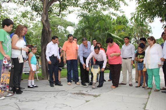 Ayuntamiento de Colima Rehabilitará Jardín de Lomas de Circunvalación y Dotará de Gimnasio a la Colonia Pablo Silva