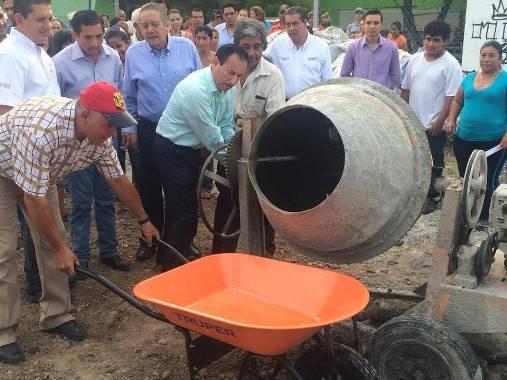 Federico Rangel Inicia Construcción de un Centro Deportivo en el Mirador de la Cumbre